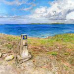 石碑と海岸:スペインの巡礼路で撮った写真を基に描きました。ムシアという場所です。海が見えて感動しましたね。