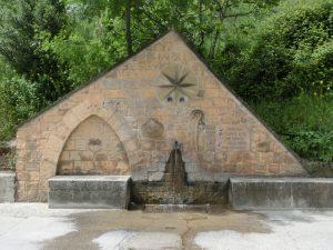 町の入り口にある水道