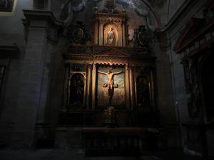 カテドラルの中のキリスト像