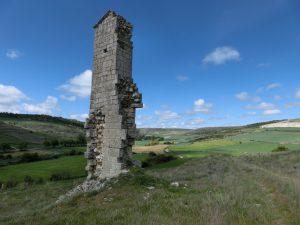 崩れかけた塔