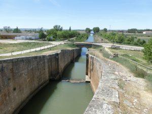 運河はまだ続いていく