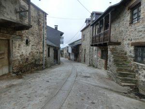 古い民家が立ち並ぶエル・アセボの町