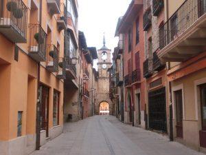 ポンフェラーダの町並みと時計塔