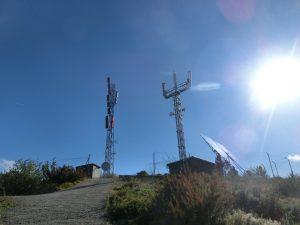 頂上の電波塔