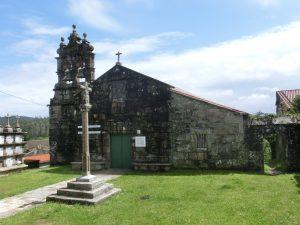 途中の町の教会
