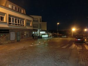 夜のフィステーラの町