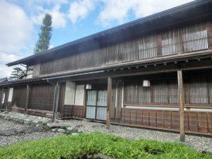 川沿いの古民家(2)