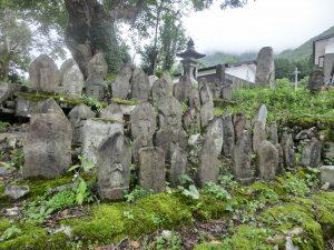 たくさんの石仏