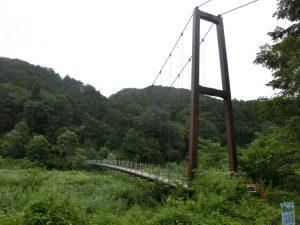姫川に架かる吊橋