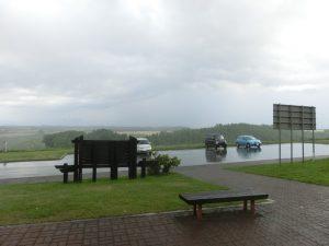 再び雨が降ってきた